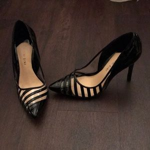 Gianni Bini black and clear pumps!
